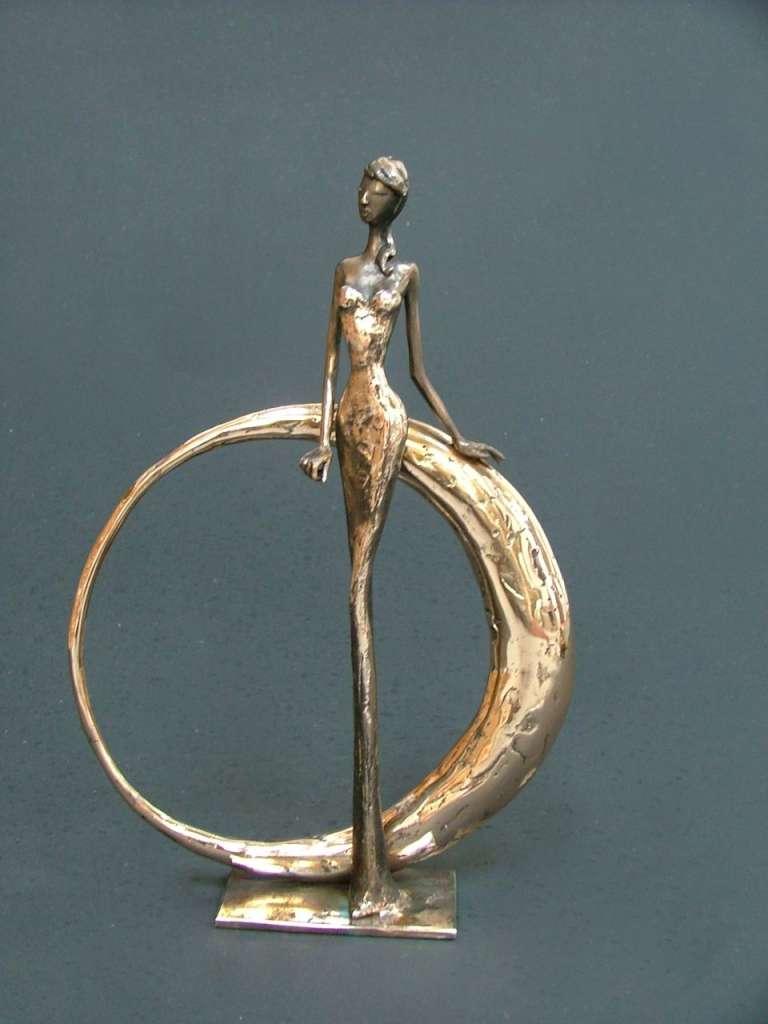 Nina, een bronzen kunstwerk van Lyvie De Sutter