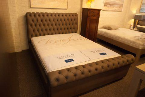 Bed met hoofdeinde - ideale slaapcomfort!