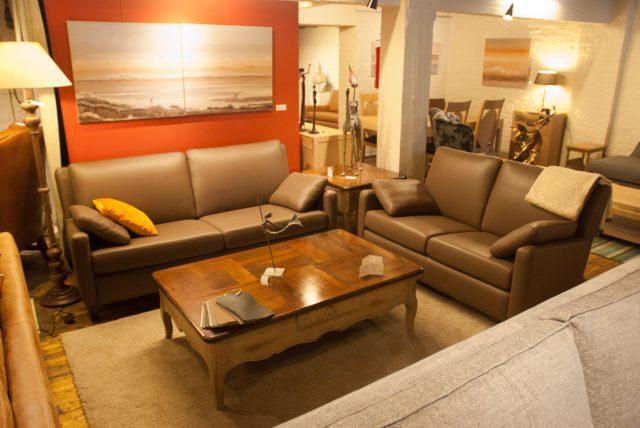 Salon met 2-zit en salontafel